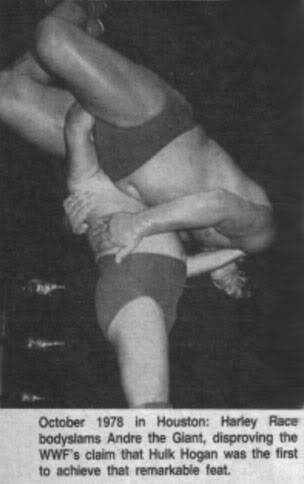 Harley Race body slamming Andre the Giant newspaper photo from October 1878