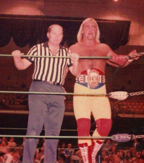 Hulk Hogan with the Southeastern Wrestling championship in Knoxville.