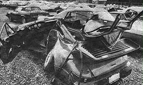 The crashed Porsche belonging to Magnum TA