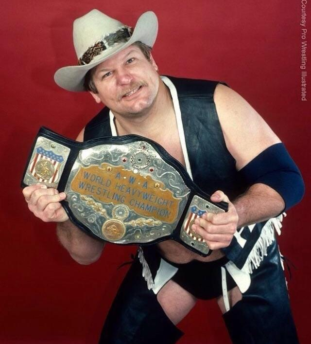 Although he later joked that he'd heard inmates made the AWA Championship belt, Stan Hansen certainly didn't want to let go of it so easily!