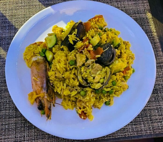 Lanny Poffo tried paella for the very first time the other day.