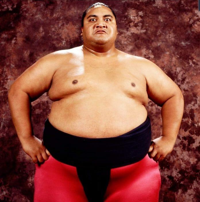 Rodney Anoaʻi (a.k.a. Yokozuna).