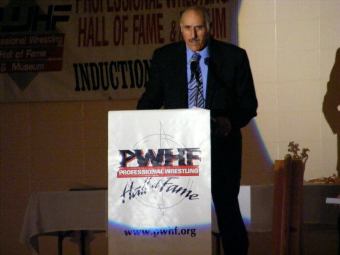 Dominic DeNucci makes his acceptance speech at 2012's Pro Wrestling Hall of Fame banquet.