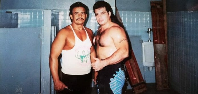 Huracán (right) here with José González, also known as Invader 1. Although never proven in a court of law, González is widely known as the man who murdered Bruiser Brody in 1988.