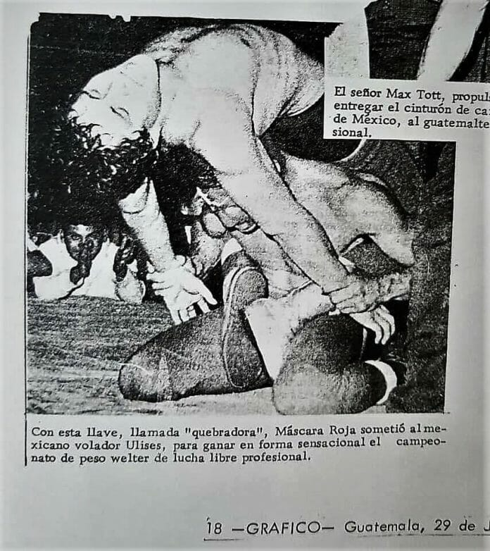 Delfino Espíndola Serrano, wrestling as Ulises, could not win the welterweight tournament in Guatemala and submitted to Mascara Roja. [Photo courtesy of Douglas Valdez]