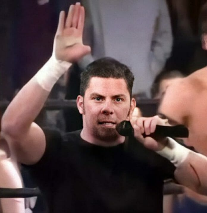 """""""The Messiah"""" William Welch shows off his missing thumb at a September 14, 2002, CZW show."""